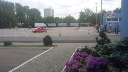 Zdjęcie - konkurencje samochodowe i motocyklowe